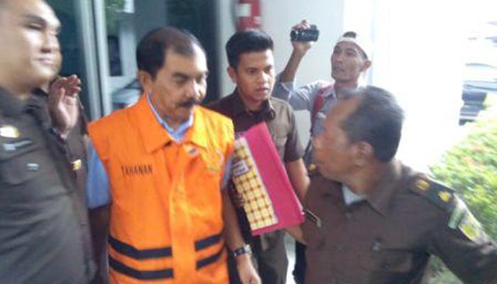 Korupsi Padamaran, Eks Kadis PU Rohil Ditahan