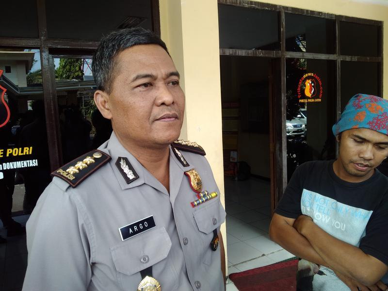 Massa 313 Diarahkan Duduki Gedung DPR/MPR
