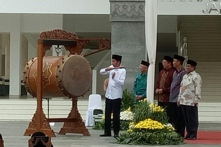 Resmikan Masjid Raya KH Hasyim Asy