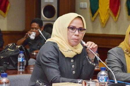Pemprov Riau Belum Mampu Kelola SMA/SMK