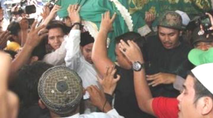 Jenazah Adelina Sau TKI Malaysia Disambut Haru Keluarga