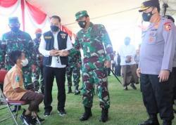 Panglima TNI dan Kapolri, Vaksinasi Terbukti Ampuh Lindungi Masyarakat