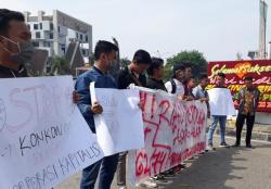 Aktivis Pemuda Dan Mahasiswa Pelalawan Seruduk Kantor Gubernur Riau
