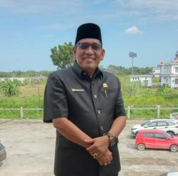 Jepri Anggota Fraksi Hanura Ingatkan Bupati , Kadis , Camat dan Penghulu