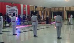 Bupati Kasmarni Mengukuhkan Pasukan Pengibar Bendera Pusaka Kabupaten Bengkalis