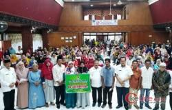Ali Mukhni Dampingi Baznas Padang Pariaman Salurkan Bantuan Usaha