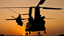 Helikopter Bertabrakan di Zona Perang Afghanista, 15 Tewas