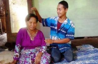 Nenek Ini Tidak Nyangka Vidio Nikahnya dengan Berondong Jadi Viral