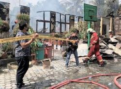 SDN 118 Kota Pekanbaru Terbakar Saat Proses Belajar, 7 Kelas Hangus