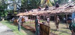 Satgas Yonif RK 751/VJS Laksanakan Kerja Bakti Bangun Pondok