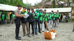 Polda Riau Berikan Bantuan Bagi Warga Terdampak Langsung Covid 19