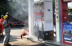 Puluhan SPBU, 21 SPPBE, dan 156 LPG Subsidi di Tangerang Selatan, Disemprot Disinfektan