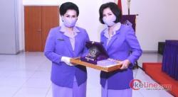 Nanny Hadi Tjahjanto Pimpin Sertijab Ketua IKKT PWA