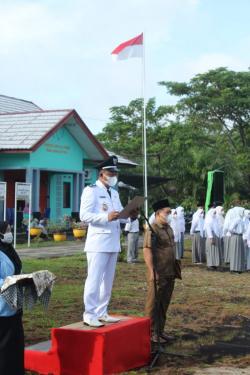 Pengibaran Bendera Pusaka di Desa Bantan Tua Tetap Menerapkan Protokol Kesehatan yang Ketat