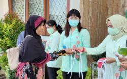 Peduli Covid -19, Dharmayukti Kartini Cabang Rohil Bagi Bagi Masker  Gratis