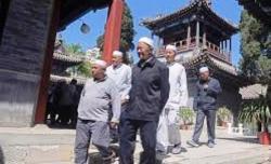 Australia Ungkap Ribuan Masjid di Xinjiang Dihancurkan, Wang Wenbin Bantah