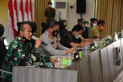 "Pemprov ""Sibuk"" Rapatkan Alih Kelola Blok Rokan, Sementara Warga Riau Terancam Limbah"