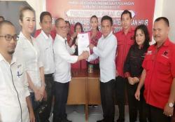 Cutra Andika Serahkan Berkas Formulir Penjaringan  Balon Bupati Rohil Ke DPC. PDIP Rohil
