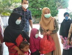 Dinsos Kabupaten Bengkalis Berikan Bantuan Sembako Untuk Anak Terlantar