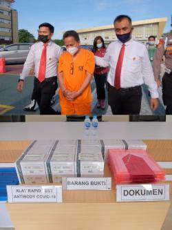 Diduga Korupsi Hibah Alat Rapid Tes, Polda Riau Tahan Kadiskes Meranti