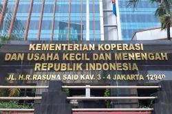 Wujudkan Keberpihakan, Jokowi Bantu Koperasi dan UKM