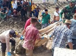 Warga Aceh Timur Geger, di Temukan Mayat Dalam Karung