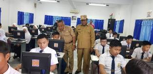 Kadisdikbud Rohil bersama Wakil Bupati Pantau Pelaksanaan UN Tingkat SD dan SMP