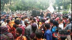 Massa Satma PP Kepung Kejati Riau, Pendemo; Tangkap M Jamil