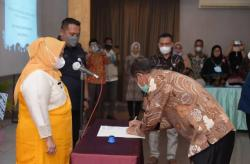Bupati Kasmarni Mengukuhkan Pengurus FOPPSI Kabupaten Bengkalis Masa Bhakti 2021-2024