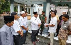 Baznas Berikan Bantuan Pada Pedagang Pasar Kampung Galapung