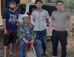 Kakek Linglung Bawa Uang Rp150 Juta dan Emas 250 Gram
