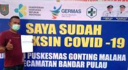 Tangkal Covid-19, Puskesmas Gonting Malaha Beri Vaksinasi Sinovac Tahap Pertama Bagi Pelayan Publik