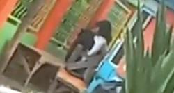 Aksi Mesum Dua Remaja Diatas Lapak Pedagang di Garut Viral