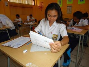 Soal Bahasa Inggris UN SMP Kurang Saat Distribusi
