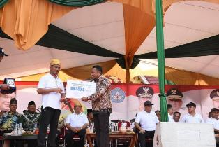 Kabupaten Kampar Terima Bantuan 449,4 M Dari Mendikbud